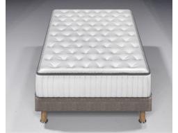 Кровать с матрасом Холидей Инн Экспресс