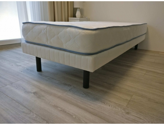 Кровать с матрасом Моно Апарт